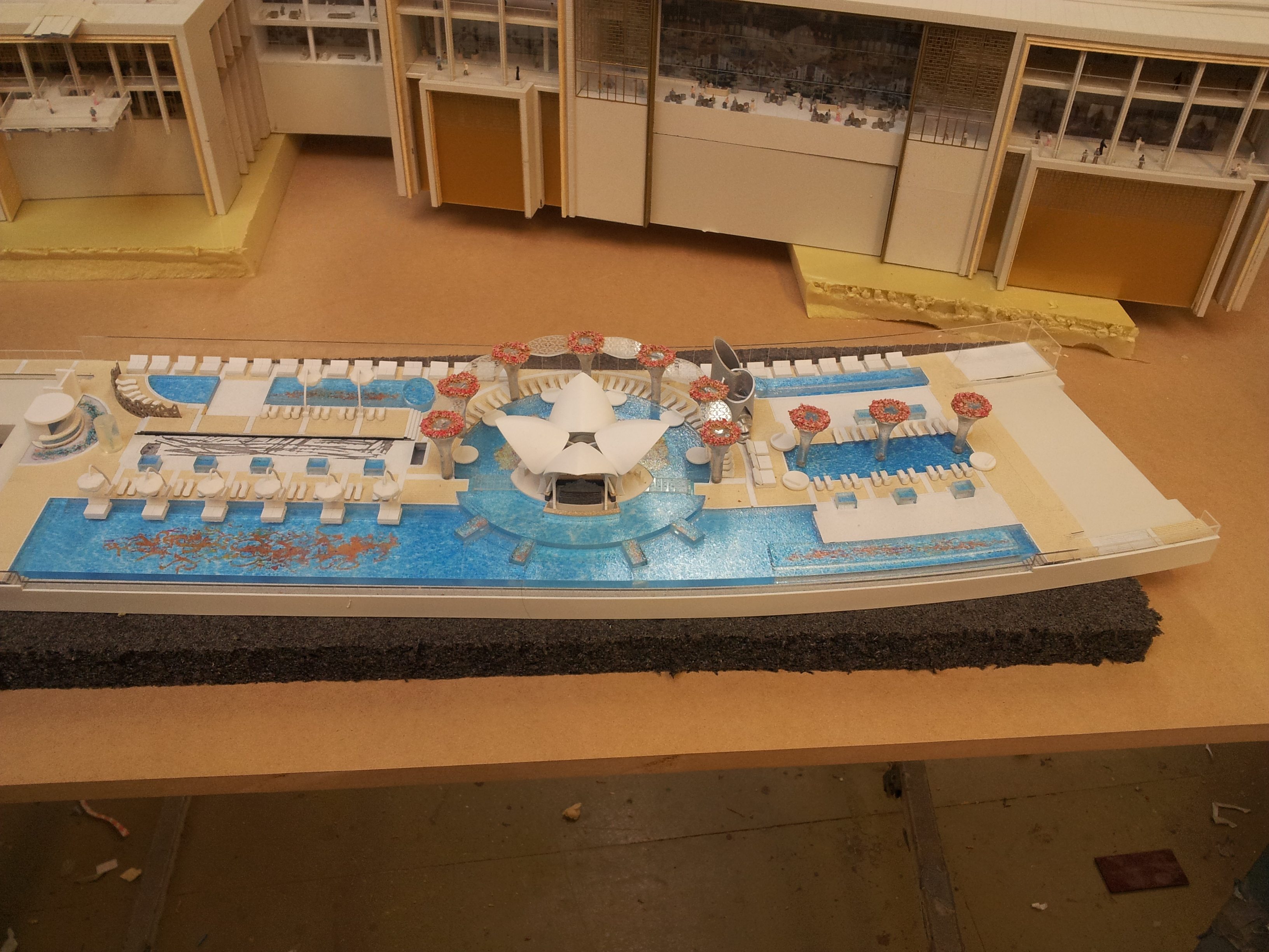 Royal Atlantis Sky Bar 1